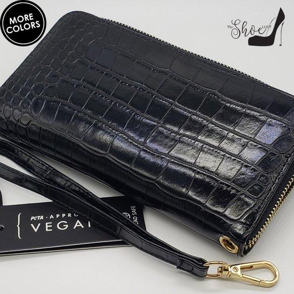 La Terre Handbags - Croc Embossed Wallet, Clutch, Wristlet